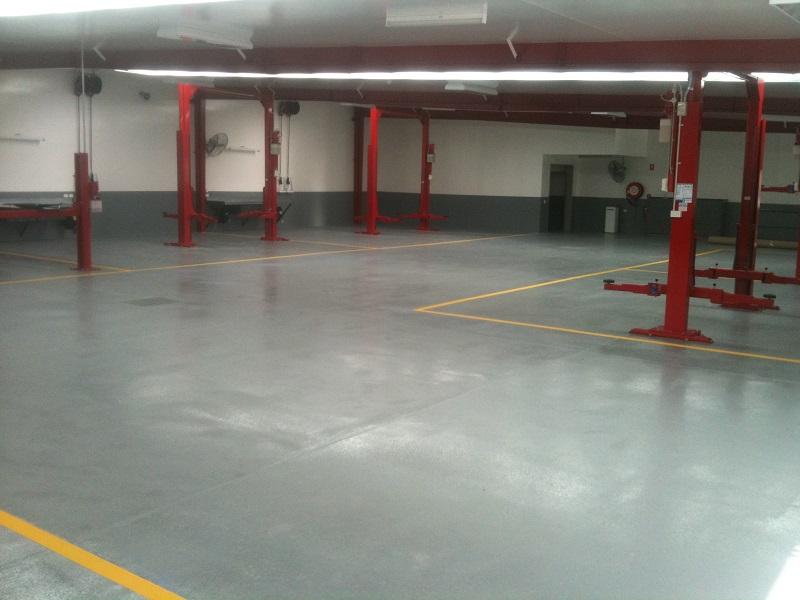 Epoxy floor in large commercial workshop