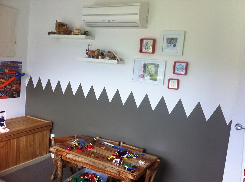 Feature wall in kid's bedroom