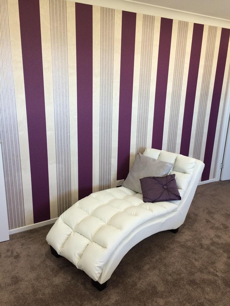 Wallpaper feature in bedroom
