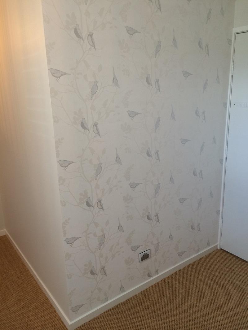 Wallpaper feature in foyer